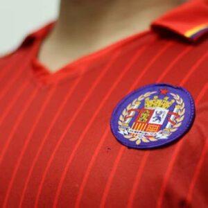 camiseta republicana roja escudo